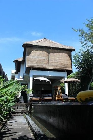 KajaNe Mua Private Villa & Mansion : loji gadis