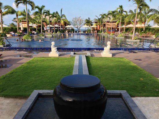 Sunrise Premium Resort Hoi An : vista da piscina