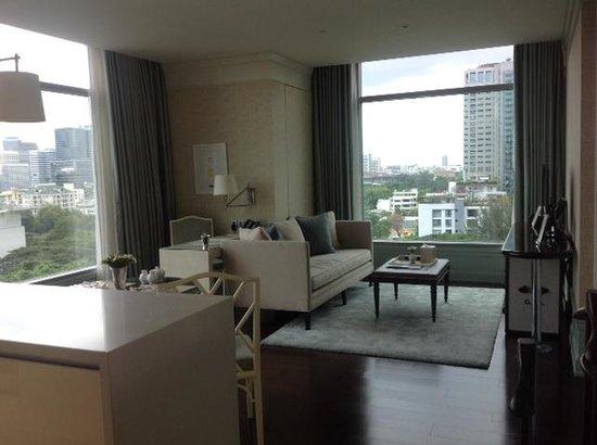 Oriental Residence Bangkok: Our room