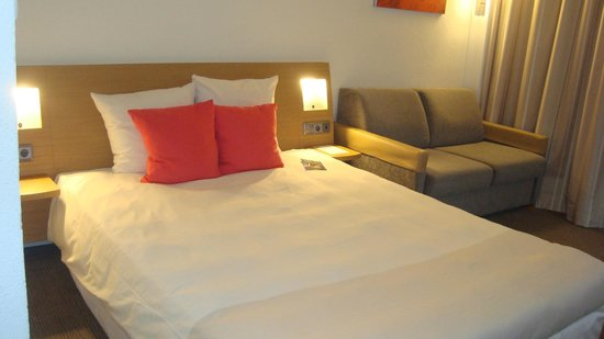 Novotel Madrid Puente de la Paz: Habitación doble con sofá-cama