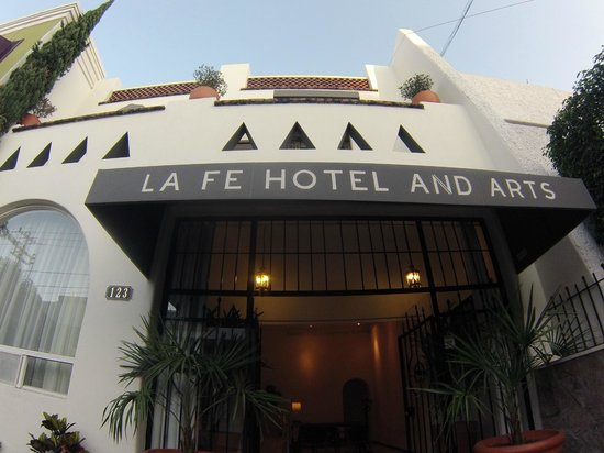 LA Fe Hotel and Arts: Llegando al hotel