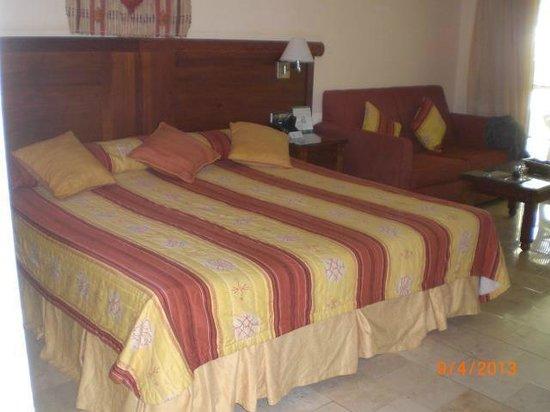 Grand Palladium Punta Cana Resort & Spa: Amplia cama