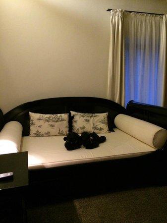Hotel Herrnschloesschen : Family/Tv Room/Second Bedroom inside the Suite Room