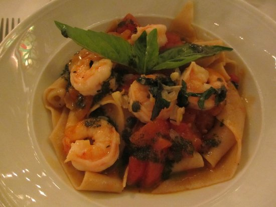Trio: Pasta with Shrimp in Tomato Basil Sauce