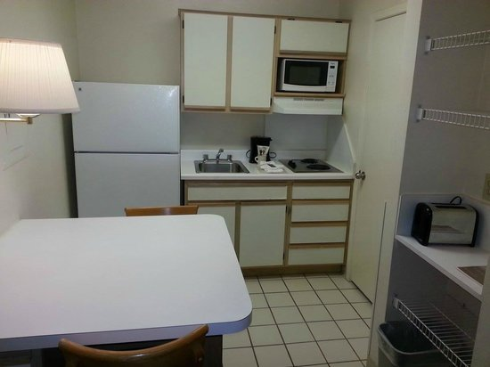 Crossland Economy Studios - Dallas - North Addison - Tollway : Kitchen area is larger than appears on photos