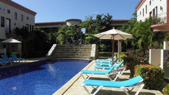 Mayan Princess Beach & Dive Resort: Las Sirenas pool