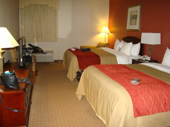 Comfort Inn: 2 Queen Room