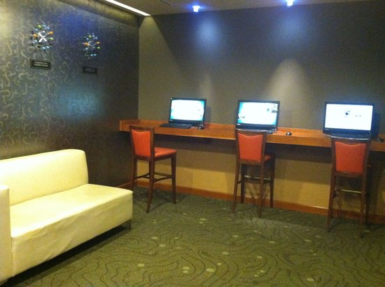 DoubleTree by Hilton Hotel Chattanooga Downtown : Virtual lounge pic #2