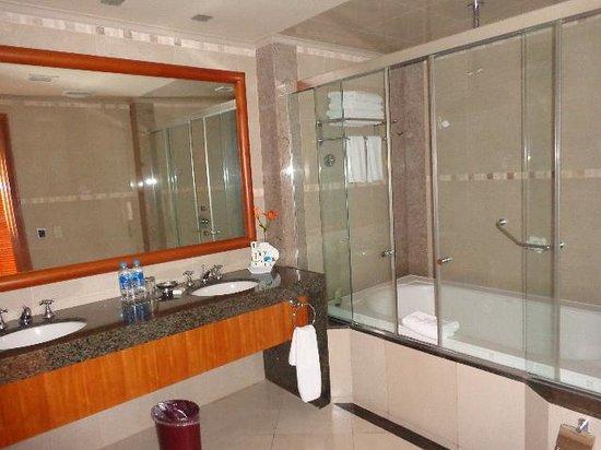 Hotel Oro Verde Guayaquil: bathroom
