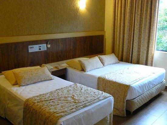 Nadai Confort Hotel & SPA: Habitación
