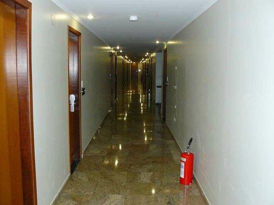 Nadai Confort Hotel & SPA: Pasillos