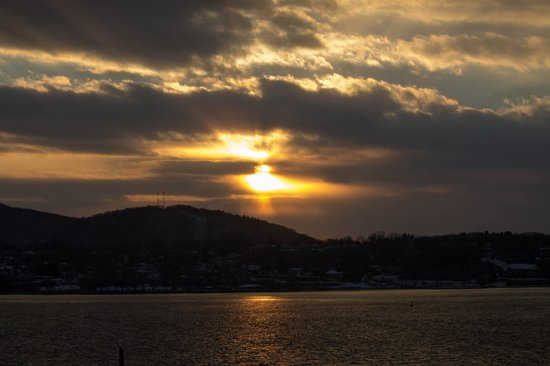 The Rhinecliff : View of the sunset from our room