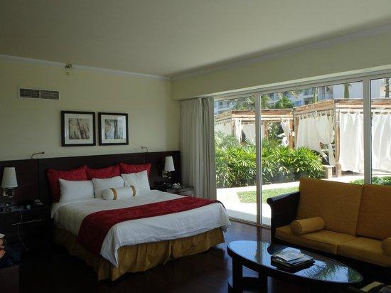 Aruba Marriott Resort & Stellaris Casino: king garden view suite