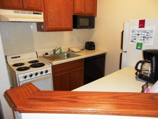 TownePlace Suites Minneapolis Downtown/North Loop: Room 433- Main Bedroom