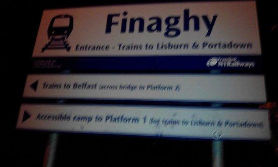 Failte B&B: Finaghy Train Station