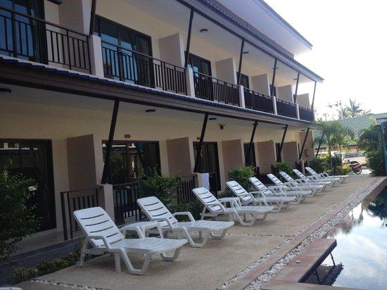 Phangan Island View Hotel : Poolside