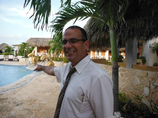 Paradisus Varadero Resort & Spa: Ruben - Manager standing by Royal Service Pool area