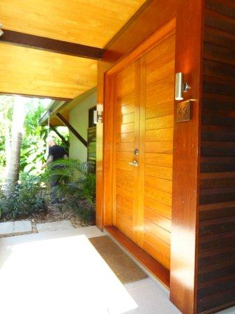 Qualia Resort: room entrance