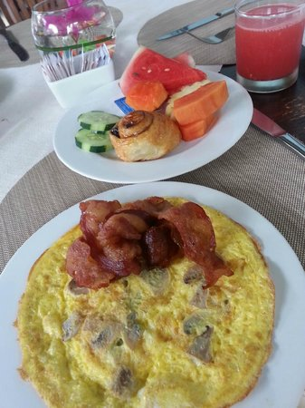 Sarinande Hotel: breakfast