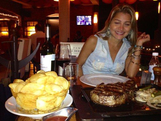 Puerto Madero : Papas e carnes maravilhosas!!!!