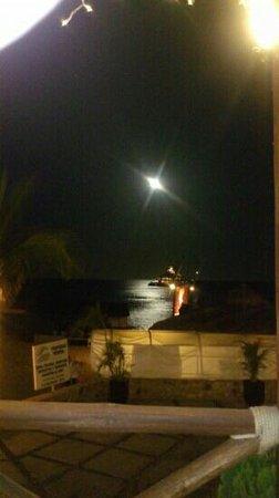 Baja Cantina Beach Club: hermosa noche en baja cantina