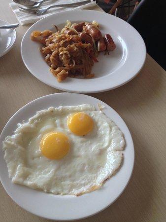 Ibis Jakarta Senen: Breakfast