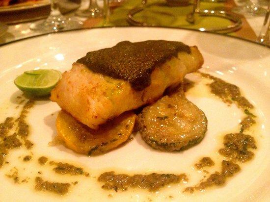 Sofitel Angkor Phokeethra Golf and Spa Resort: Sea Bass- Delicious Sauce
