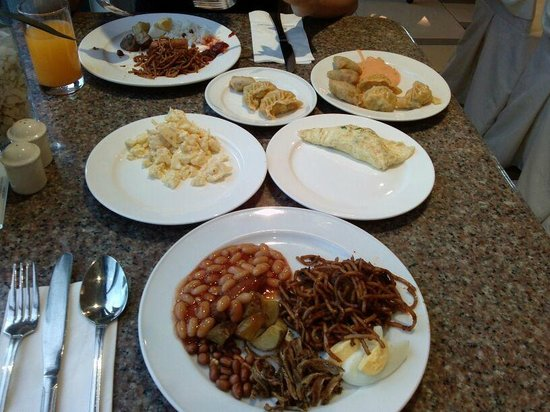 Grand BlueWave Hotel Johor Bahru: Dining