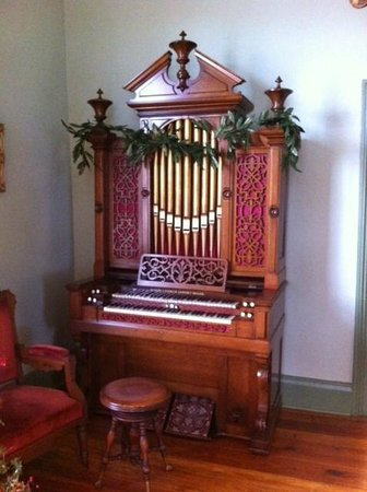 Tennessee Williams Welcome Center: The Organ