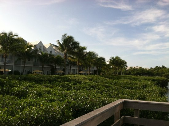 Parrot Key Hotel and Resort : View of the hotel from sunset pier