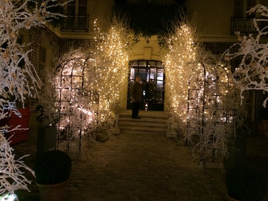 Relais Christine : Courtyard of hotel decked out for Christmas, early Dec. 2013