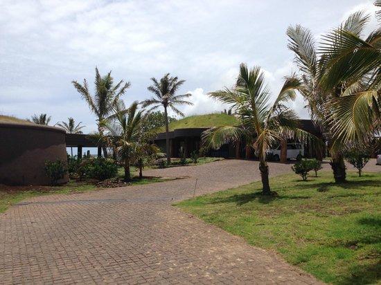 Hotel Hangaroa Eco Village & Spa : The entrance of the hotel