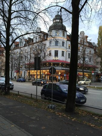 Hotel München Palace: This is where I went for breakfast