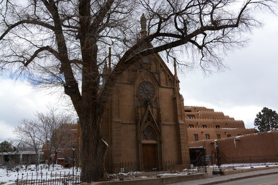 Loretto Chapel : Exterior
