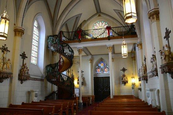 Loretto Chapel : Interior - Front Looking Towards Back
