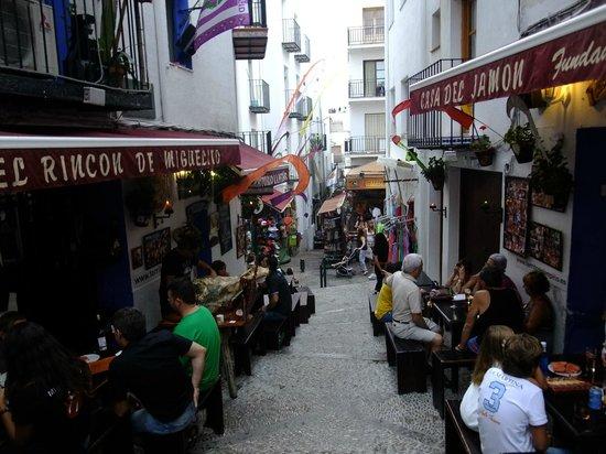 Hotel RH PortoCristo: Улочки вокруг замка
