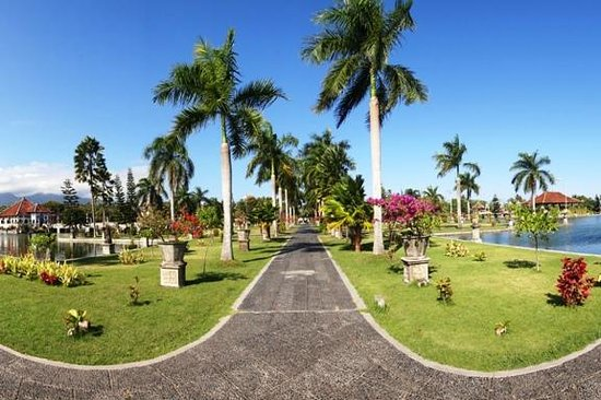 Bali Java Holidays: Taman Ujung Karangasem Bali
