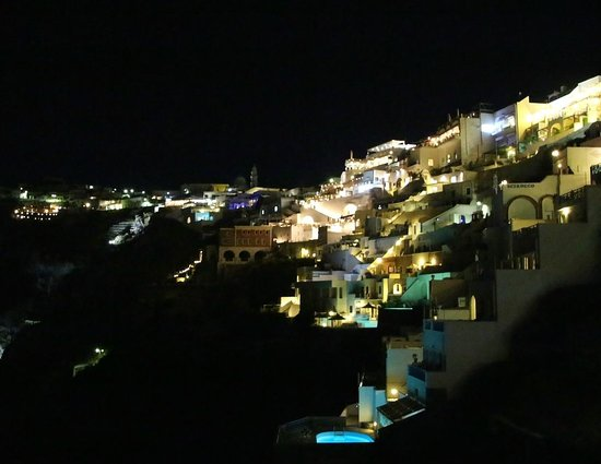 Athina Luxury Suites : Thira at night time