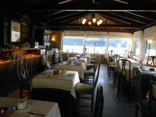 Hotel Virxe da Cerca: ホテルのレストランです。朝食時の写真。