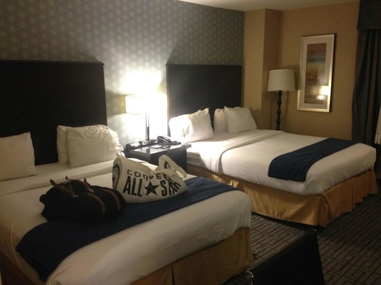 Holiday Inn Express - Los Angeles Downtown West: beds