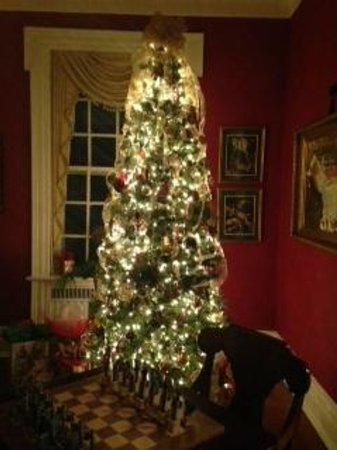 A Storybook Inn : more Christmas decor