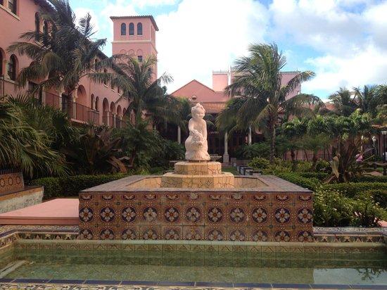 Boca Raton Resort, A Waldorf Astoria Resort: garden view