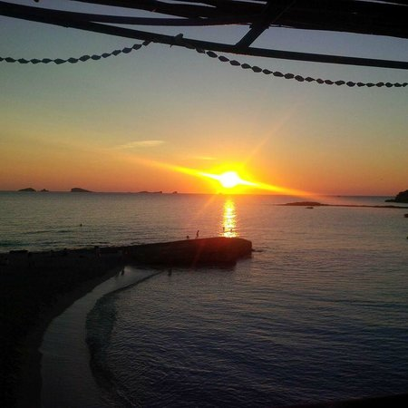 Pikes Ibiza: Head for Cafe Mambo every night for sunset 7 00pm - 9 00pm