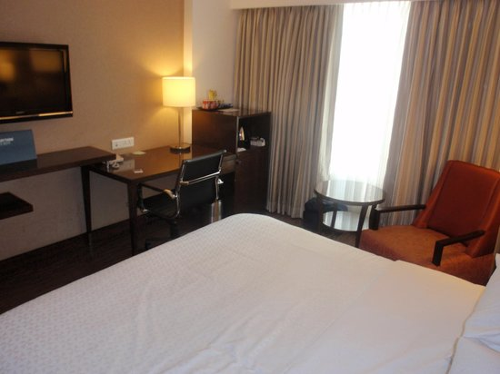 Four Points by Sheraton Ahmedabad: room