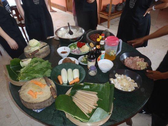 Casa Luna Cooking School: Beautiful selection of food