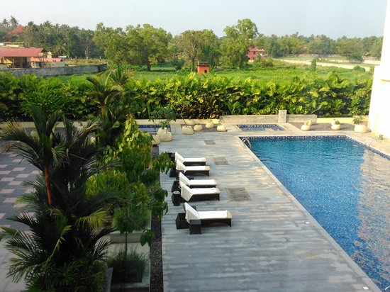 Courtyard by Marriott Kochi Airport: View 1