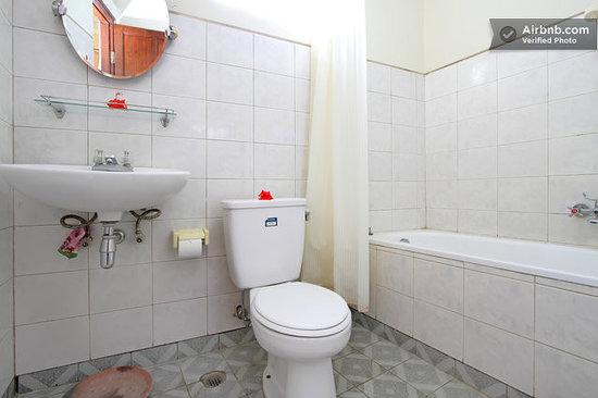 Dewa Bharata Ubud: Bath R