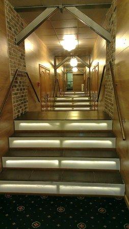 Gallery Grand Hotel: Шестой этаж. Русские горки