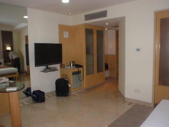 Ascot Hotel : room