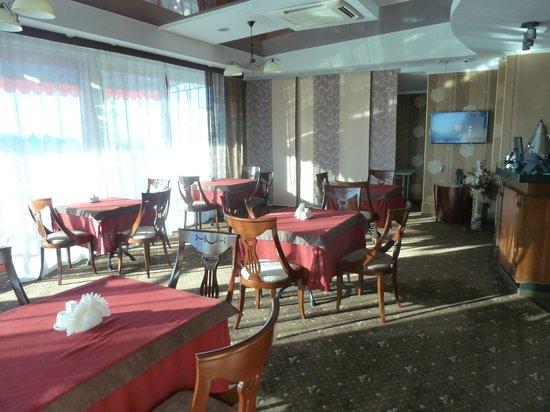 Smart Hotel Bishkek: The Khan-Tengri restaurant